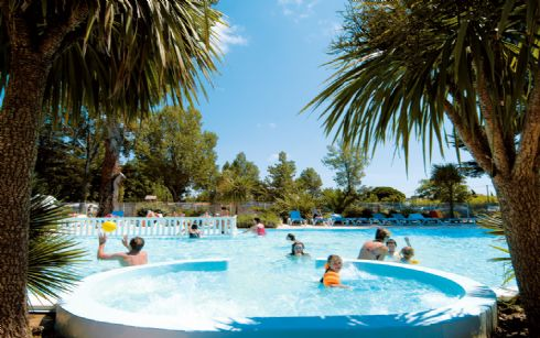 Camping le saint hubert st georges d oleron 17 charente for Club piscine st hubert